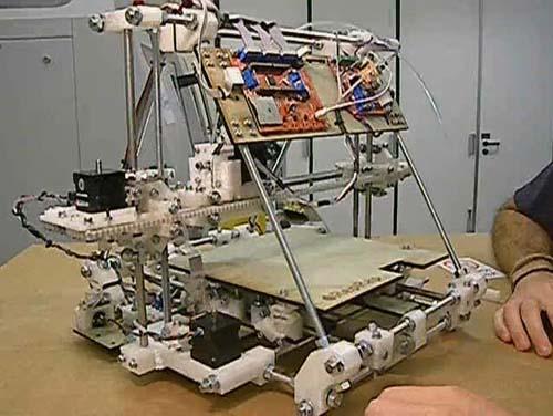 Самовъзпроизвеждащ се 3D принтер