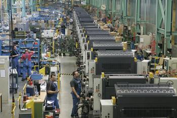 Заводът на manroland в Офенбах се върна към нормално работно време заради ръст в поръчките