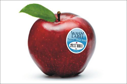 Етикети, които се превръщат в препарат за миене на плодове