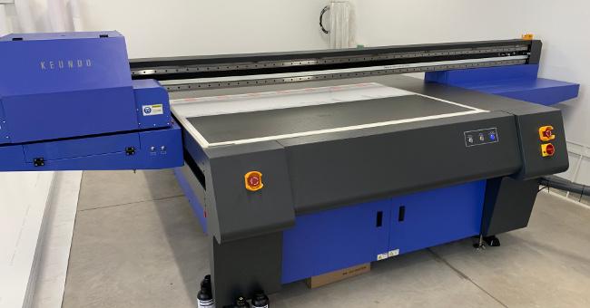 Принтер за директен печат върху плоскости Keundo