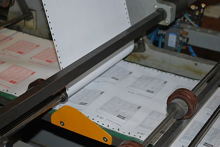 залепване на химизираната хартия