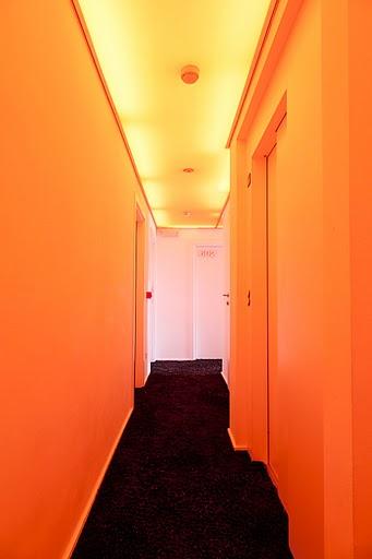 всеки етаж има свой цвят