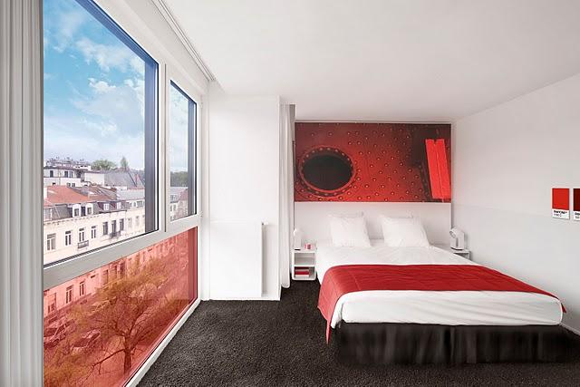хотел Pantone - червената стая