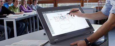 Wacom разширява своята гама от серията PL интерактивни дисплей таблети