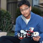 Нискобюджетен брайлов принтер от Lego направен от 12-годишен