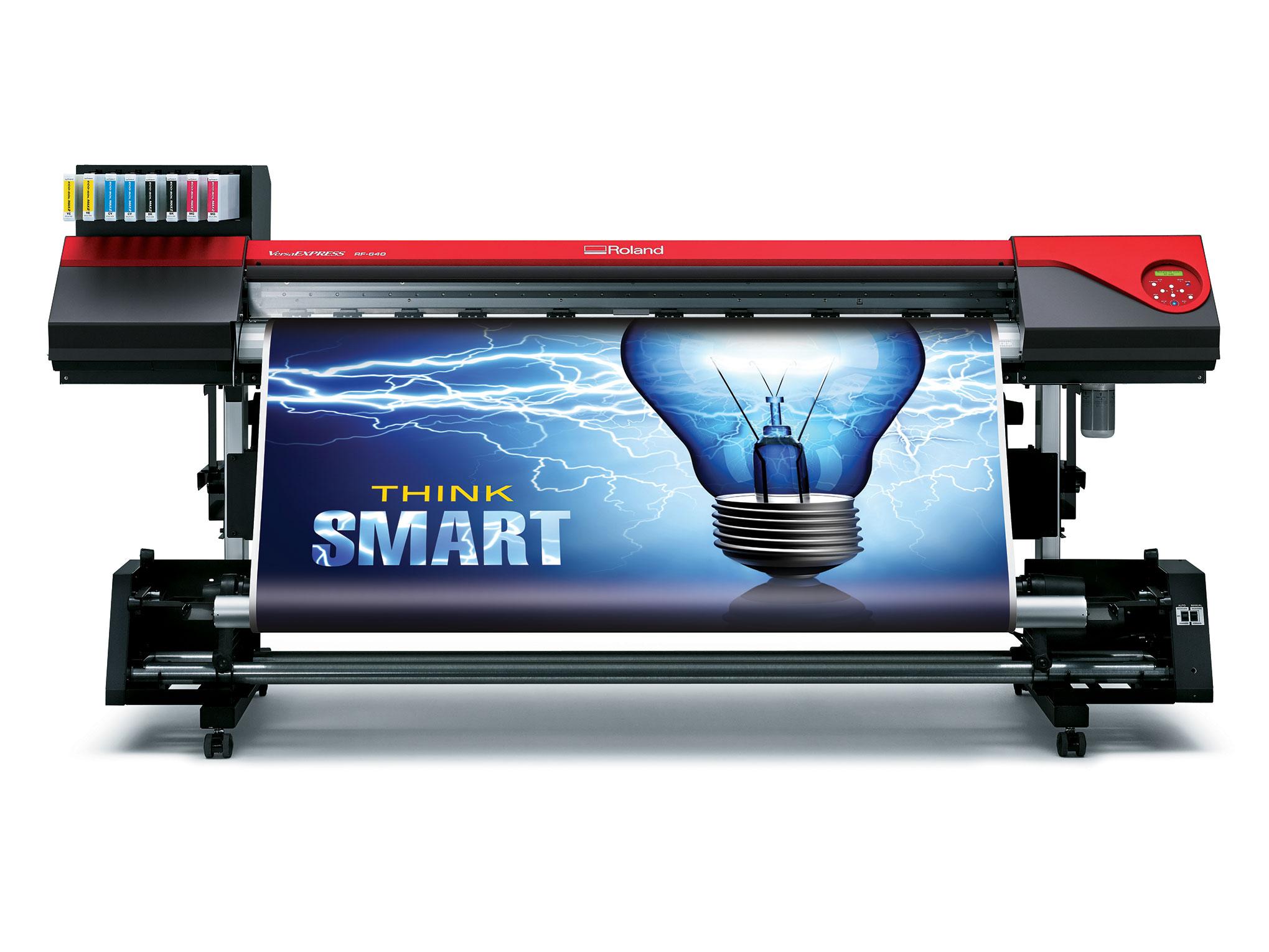 Roland представи новия широкоформатен мастиленоструен принтер VersaEXPRESS RF-640