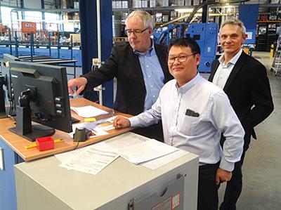 Икономични решения за влагане на вложки за вестници и директна поща от Muller Martini