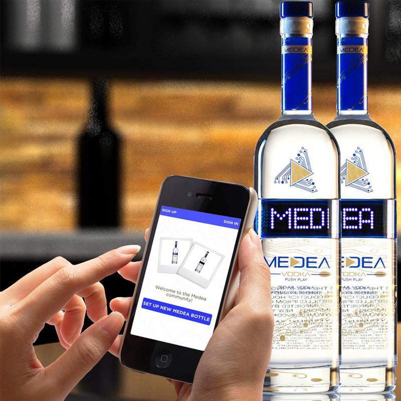 Текстови съобщения чрез бутилка водка