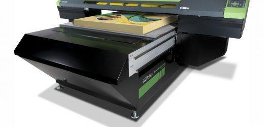 Roland DGA пуска на пазара индустриален флатбет UV принтер