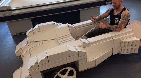 Cardboard Box Co участва в състезанието Red Bull Soapbox с кола, изрязана със Zünd