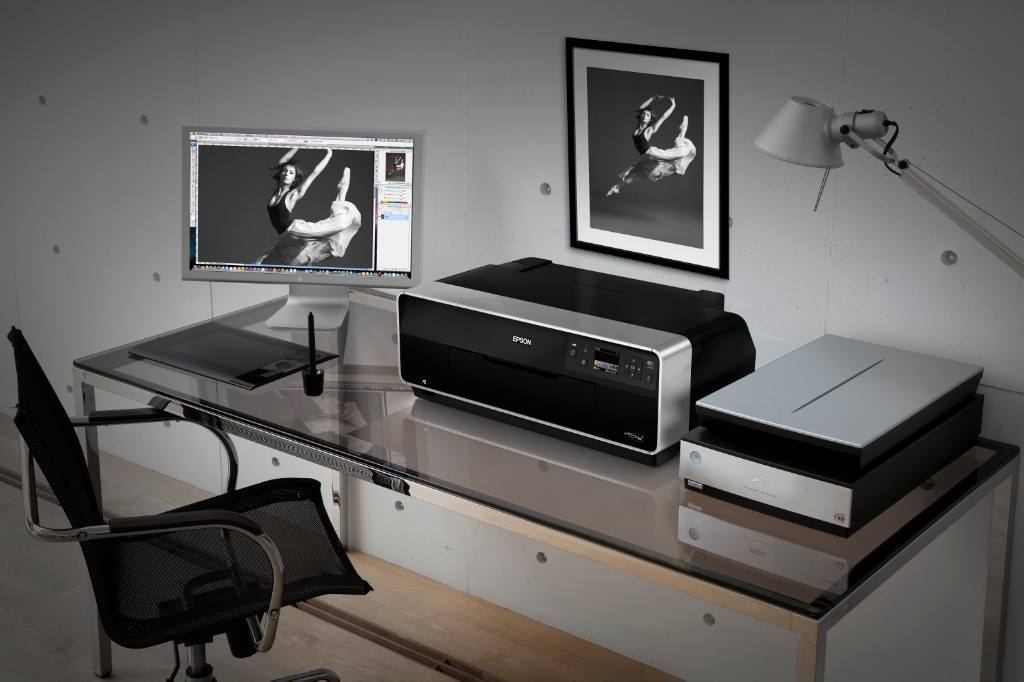 Epson Stylus Photo R3000 – тъмната стаичка на модерния фотограф