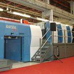 KBA показва високопроизводителни средно и голямоформатни машини с автоматично обръщане на хартията.