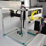Настолният 3D принтер Maximus XL печата най-високо