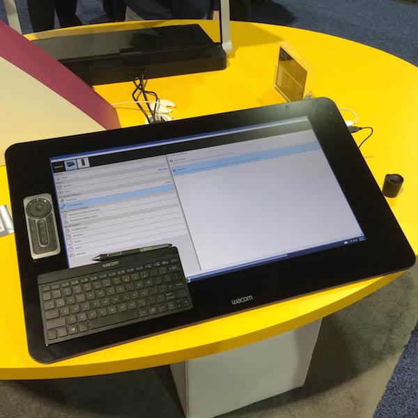 Дисплей-таблетът Cintiq 27QHD - флагманът на WACOM