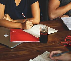 Месечен обзор на предлагани позиции за работа