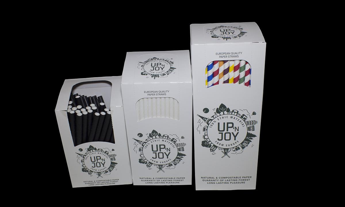 кутии с хартиени сламки